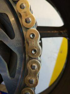 Замена цепи и звезд на мотоцикле